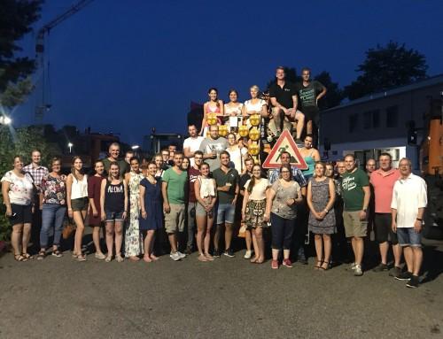 Sommerfest und Mondfinsternis